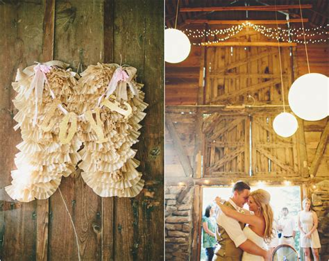 Barn Wedding Decorations : Southern Barn Wedding At Vive Le Ranch