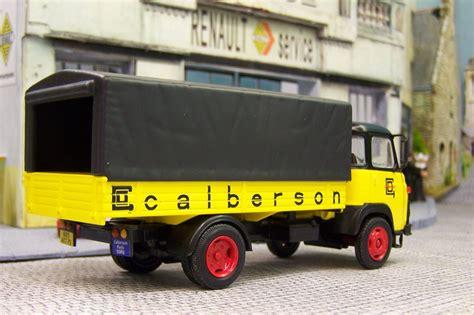 les vehicules du garage moderne les vehicules du garage moderne hachette 28 images lesptitesrenault fr afficher le sujet