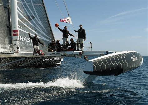 Trimaran World Speed Record by Frenchman Hopes High Tech Trimaran Flies To L A