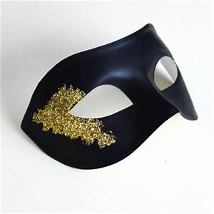Men's Vanity Black & Gold Masquerade Mask