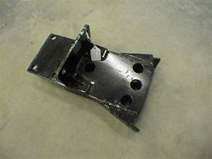 300 35 011a   Drawbar Without Hooks 3 Point Hitch