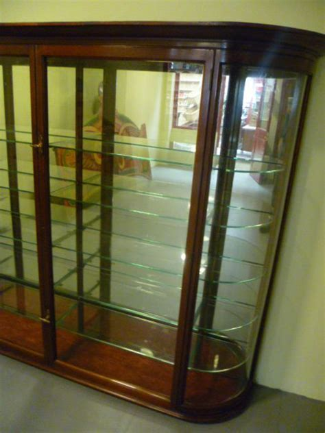 Good Quality Antique Mahogany Bow Fronted Glass Wall