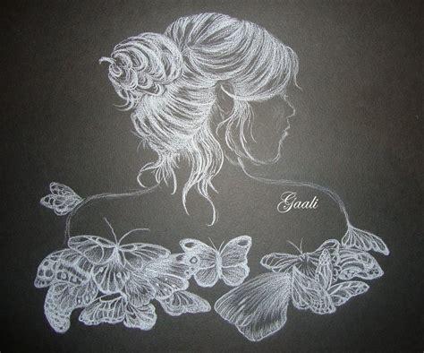 Dessin Sur Papier Noir Dessin D Une Femme Aux Papillons 183 Gaali S Passions