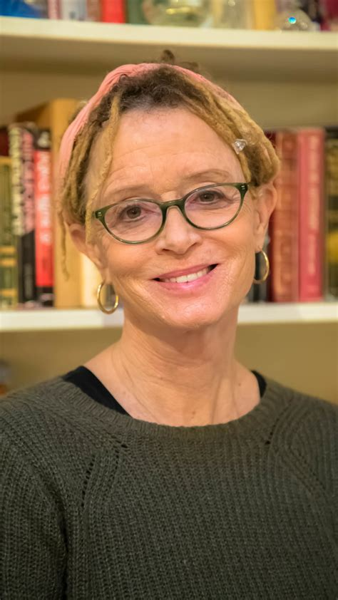 good minds suggest anne lamotts favorite books  fill