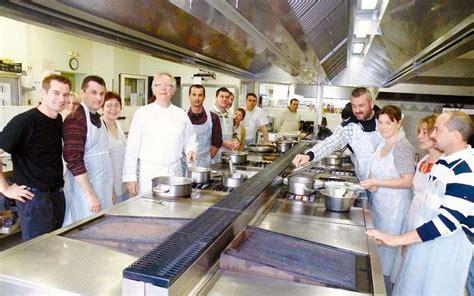 cours de cuisine dax delpierre quitte l usine pour jouer en cuisine sud ouest fr