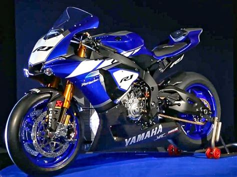 yamaha yzf  racebike  erste bilder details