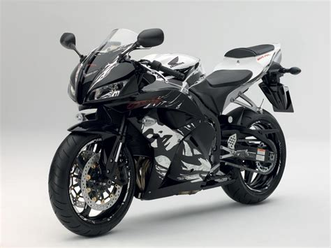new cbr 600 a new honda cbr600rr for 2010 autoevolution