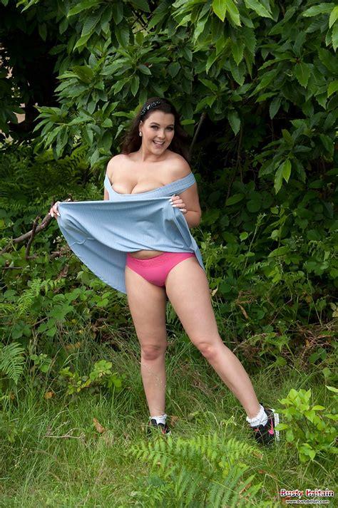Busty Toni Leanne takes off her blue dress - BoobGoddess