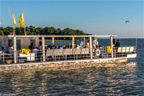 Party Boat On Lake Conroe by Texas Party Boat Rentals And Rides
