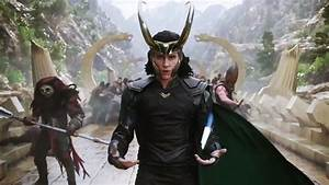 Tom Hiddleston As Loki In Thor Ragnarok Wallpaper 16229 ...
