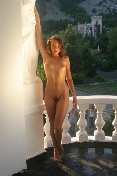 Beautiful Babe Posing Naked At Beautiful Place — Russian Sexy Girls