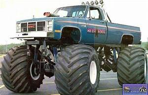 Bear Foot | Monster trucks | Pinterest | Monster trucks ...