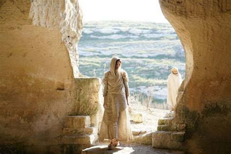 mary  magdalas profound connection  jesus shows