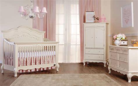 chambre bébé fille originale cuisine lit pour b 195 169 b 195 169 gar 195 167 on bc avec grands coffres
