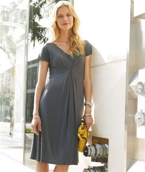 Look Stunning with Dresses for Women in Their 50