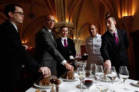 la table du prieur 224 l abbaye des vaux de cernay restaurant cernay la ville h 244 tel magiques