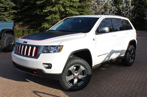 jeep hawk trail 2014 jeep cherokee trailhawk release autos weblog