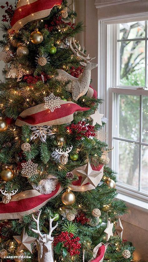 arboles de navidad rojo  dorado decorados  curso de