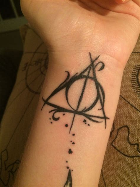harry potter deathly hallows tattoo harry potter