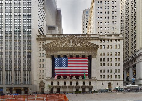 NYSE trading down as space needs shrink