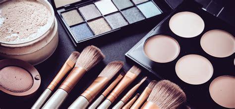 Top Makeup Vloggers Salon Suite Solutions