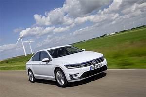 Volkswagen Passat Gte : vw passat gte sedan and estate get new photo gallery carscoops ~ Medecine-chirurgie-esthetiques.com Avis de Voitures