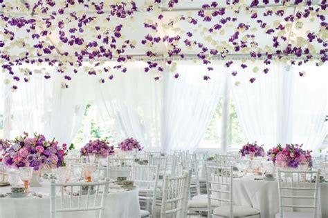 Stilvolle Hochzeitsdeko Trends durch den Sommer inspiriert