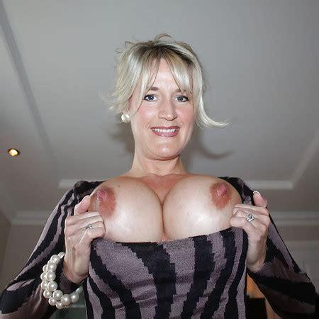Nackt  Linda Roberts Older Women