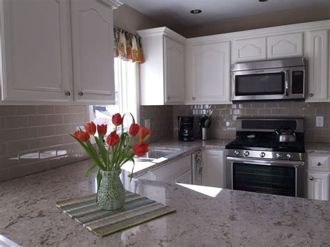 things to put above kitchen cabinets our kitchen remodel one the best things we did was to 9462