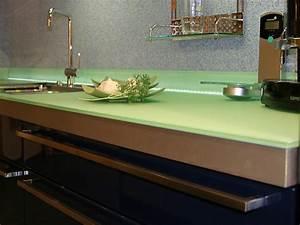 Arbeitsplatten Für Küche : glasarbeitsplatten f r die k che arbeitsplatten bei k chenatlas ~ Udekor.club Haus und Dekorationen
