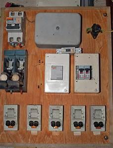 Tableau électrique Triphasé Legrand : tableau electrique pour maison 150 m2 achat electronique ~ Edinachiropracticcenter.com Idées de Décoration
