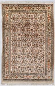 tapis tabriz signe tabatabai iran 3eme quart du xxe s a With tapis champ de fleur