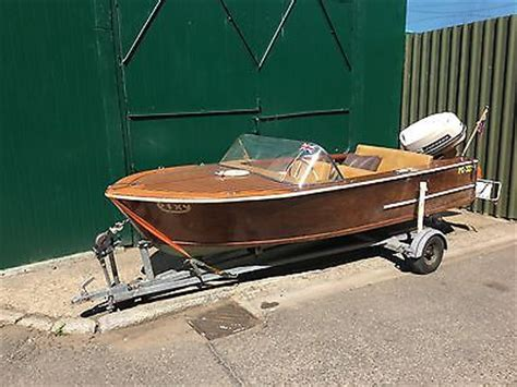 Wooden Speed Boats For Sale Uk by 1965 Broom Wooden Speed Boat Launch 33hp Johnson Outboard