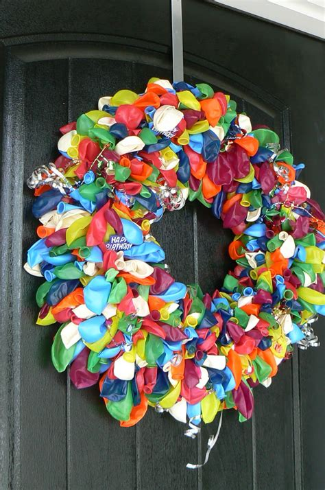 birthday balloon wreath  idea door