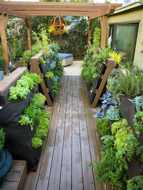 Small Patio Garden by Gardening In Backyard Patio