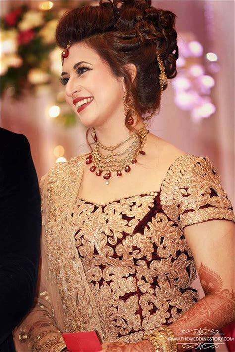 divyanka tripathi  stunning   wedding reception
