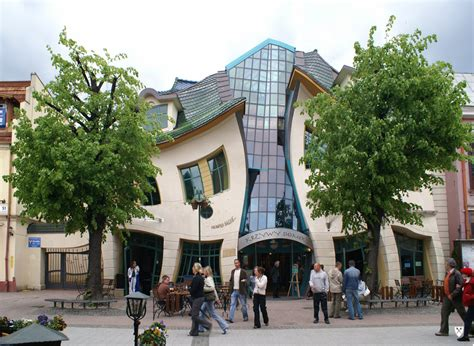 Crooked House by The Earth S Most Unearthly Buildings Dctc News
