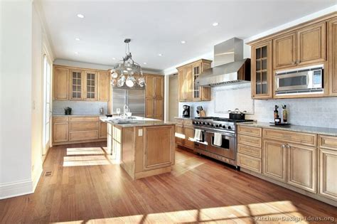 kitchen colors with light wood cabinets what to expect from light wood kitchen cabinets my