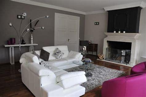 idee deco salon canapé gris idee peinture salon noir et blanc
