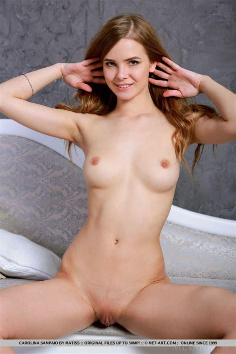 Carolina Sampaio Shows Off Her Amazing Physique On The Sofa Russian Sexy Girls Sar Ru