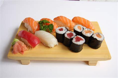 saumon cuisine menus maki sushi sashimi osakabox restaurant japonnais à