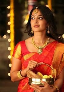 Anushka Shetty in traditional wedding sari - South Indian ...