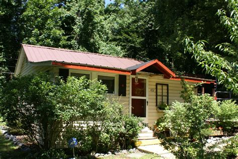 mountain property in bat cave nc
