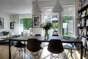 Casas: Monocromático moderno - Casa Haus Decoración
