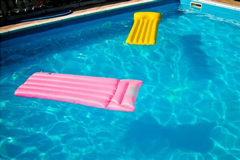 cool pool floats home landscapings swimming pool