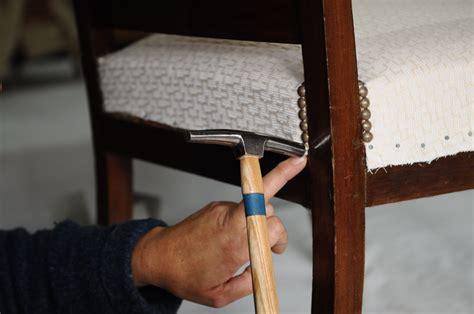 tapisser une chaise en tissu stage formation professionnelle la tapisserie d