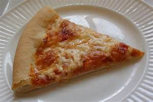 zsuzsa is in the kitchen: CHEESE PIZZA