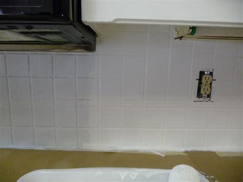 Painting Kitchen Backsplash by Painting A Tile Backsplash Hilldalehouse