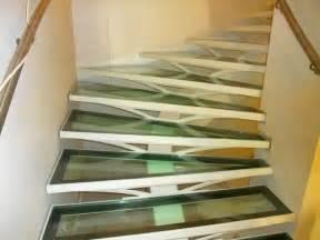 Escalier Verre by Escalier Avec Limon Central Et Marches En Verre Metal
