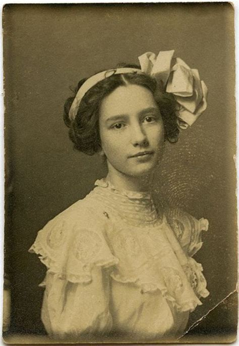 vintage everyday lovely portraits  victorian teenage